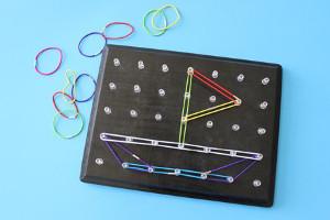 تخته میخی برای یادگیری اشکال هندسی